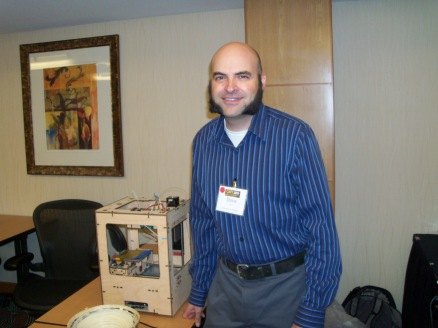 Dave Conz with his makerbot at S.NET 2011.